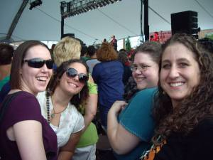 Gaelic Storm girls